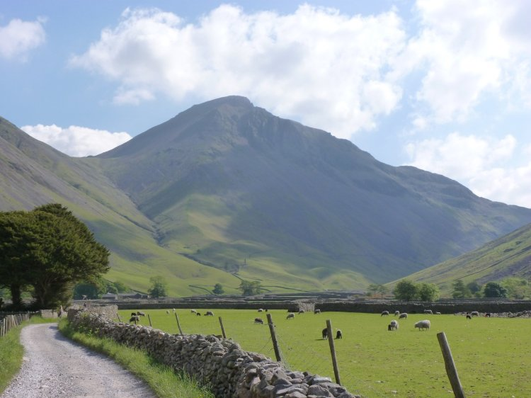 IMG00_Great-Gable-at-the-head-of-Wasdale