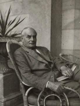 Sir-Edward-Howard-Marsh c1935 National Portrait Gallery cropped