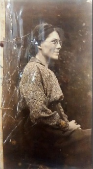 Photo of Helen found in Edward Thomas' pocket following his death at Battle of Arras 1917 - cropped